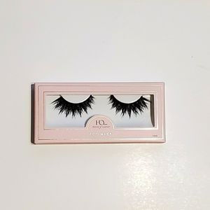 New in box House of Lashes Iconic lash set